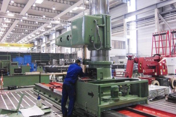 Durchführung aller elektronischen, elektrischen und mechanischen Reparaturarbeiten